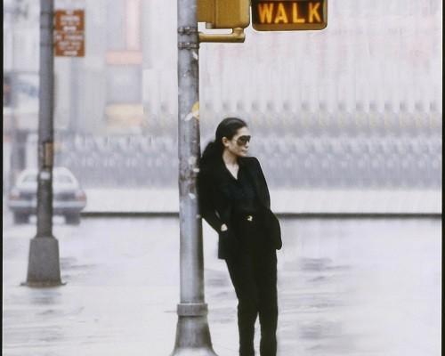 bg_Yoko_Ono