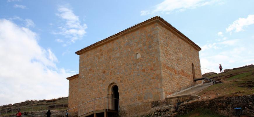 4-exterior-de-la-ermita-de-san-baudelio-soria