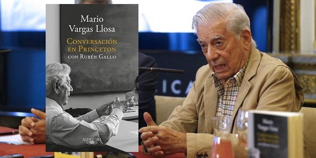 """GRA114 MADRID, 20/09/2017.- El Premio Nobel de Literatura 2010, Mario Vargas Llosa (d), y el profesor Rubén Gallo, durante la presentación hoy en Casa América de """"Conversación en Princeton"""", una obra en la que recogen sus conversaciones en un curso sobre literatura y política que impartieron en 2015 en la mencionada universidad. EFE/J.P.Gandul"""